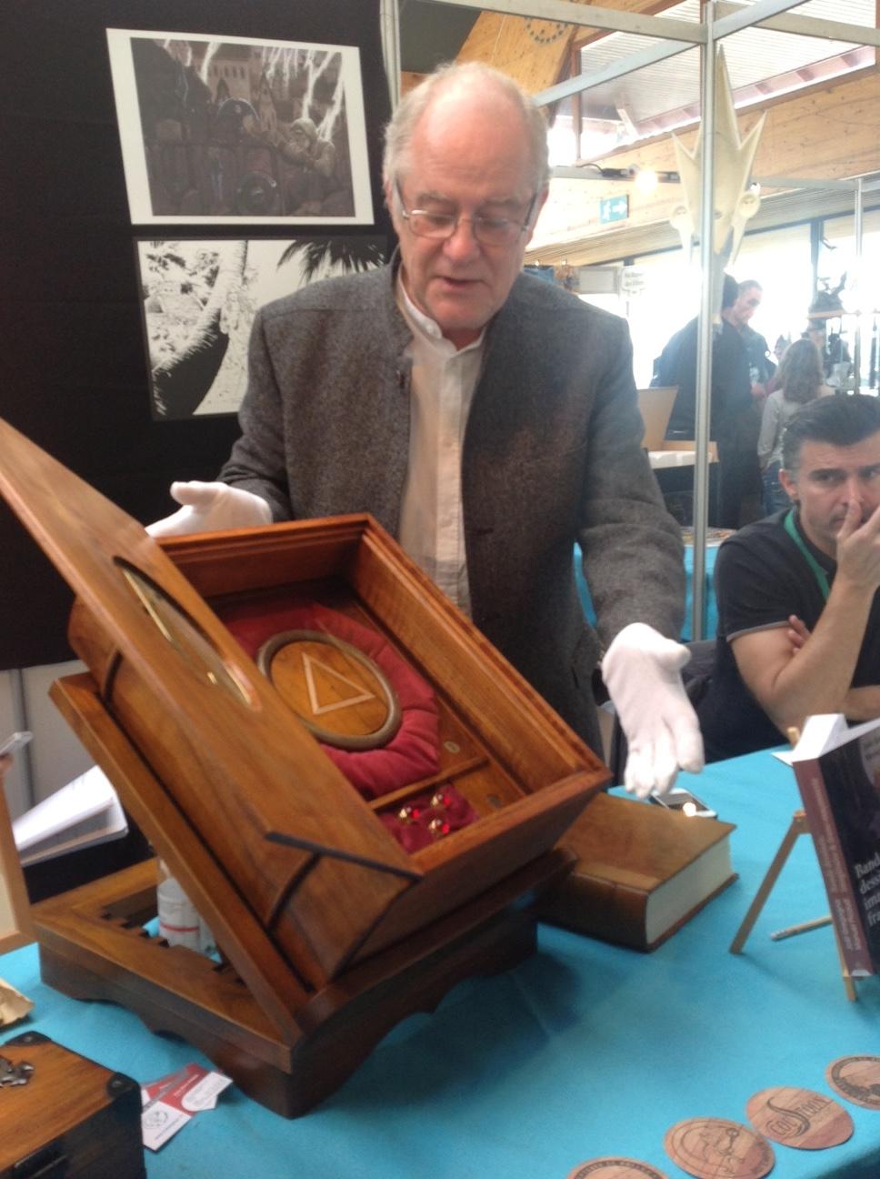 Belle présentation du Coffret de Luxe le Triangle Secret par Didier Convard